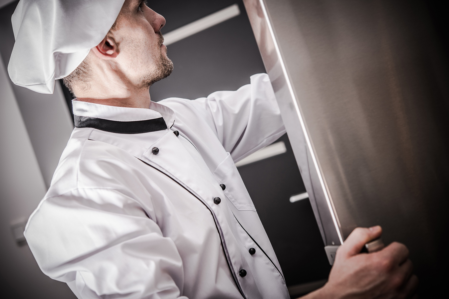Advantages Of Adding Larger Walk-in Chiller In Your Restaurant And Other Businesses